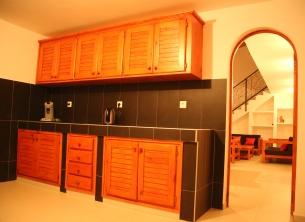 Keuken en zicht op living N01A0772